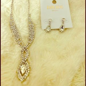 David's Bridal necklace and earrings set